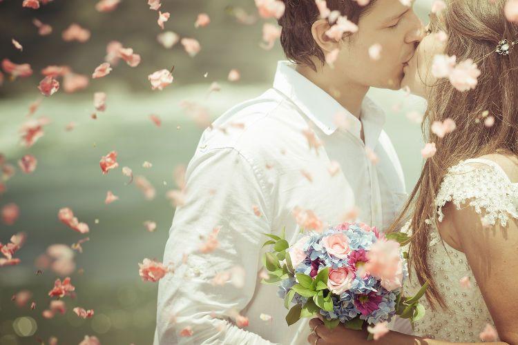 プロポーズの言葉は【シンプル】に言われたい女性が77.9%!