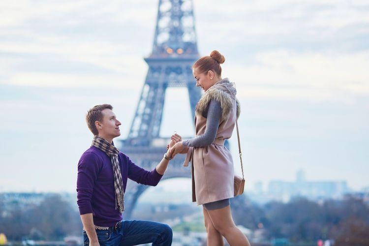プロポーズに指輪は必要?指輪以外のプレゼントでもできる演出法