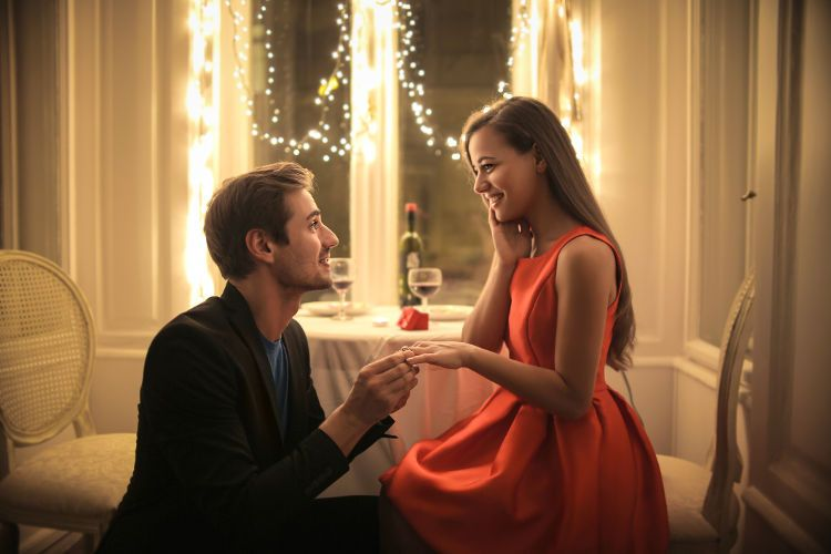 相場より安い婚約指輪選び!クオリティを下げずに選ぶ方法3選