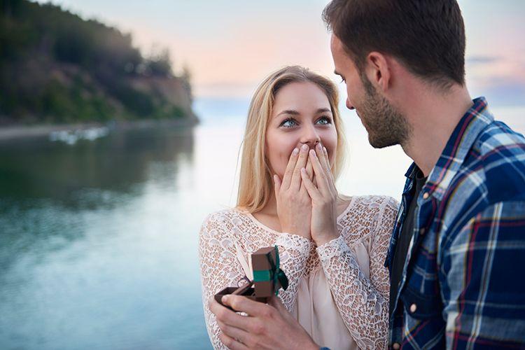 プロポーズなしで結婚した人は21.3%!その理由とカップルの本音