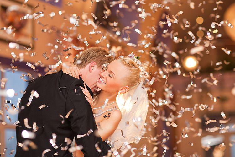結婚式 紙吹雪