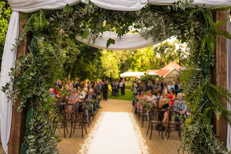 雨でもガーデンウエディングはできる!結婚式パターンと会場の選び方