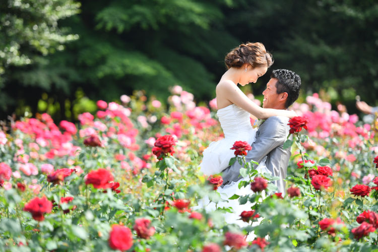 結婚式の前撮りはなぜ行う?前撮りのメリットと基礎知識まとめ