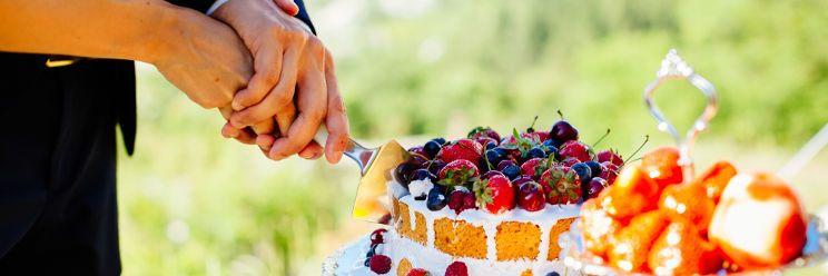 small cake cut