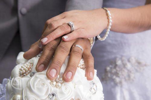 ダブルリングセレモニー 結婚指輪 婚約指輪