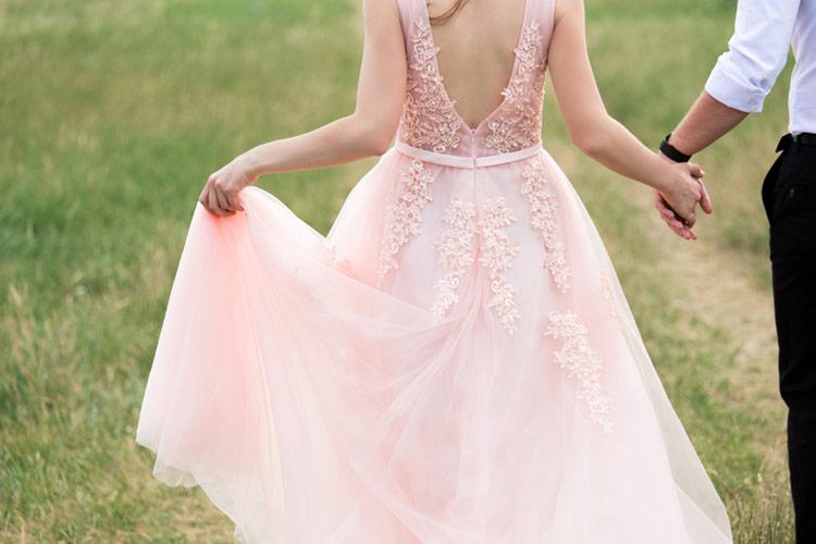 ウエディングドレス ピンク