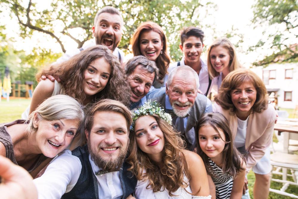 家族に感謝を伝えたい!家族・親族のみの結婚式を成功させるポイントまとめ