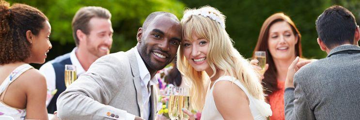 結婚式 新郎新婦 笑顔 写真