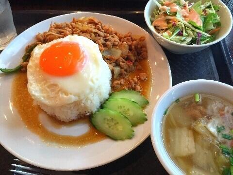 渋谷_ランチ_ガパオ食堂