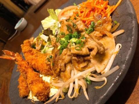 海老フライと生姜焼き定食