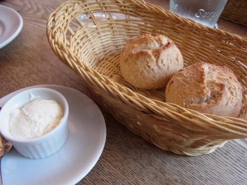 パンとバター トラットリアタンタボッカ 代々木駅 ランチ おすすめ イタリアン