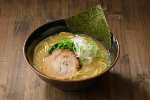 豚骨醤油ラーメン 麺屋 達 金沢 ラーメン 豚骨系ラーメン