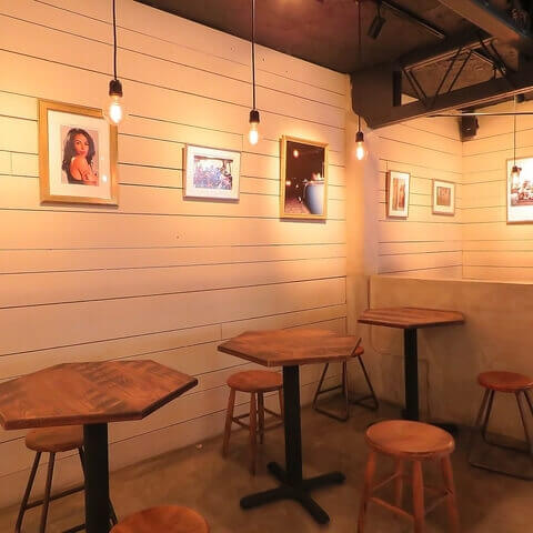 名古屋 居酒屋 ビアバー 名駅 クラフトビール 7DAYS Craft Kitchen 2階店内