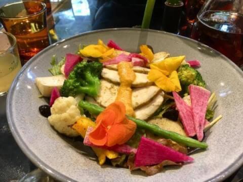赤坂ランチ 青山フラワーマーケット サラダ