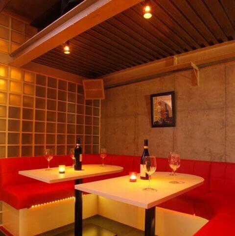 川崎のおしゃれで安いおすすめバー、深夜営業でデートに人気のアッパガーレ