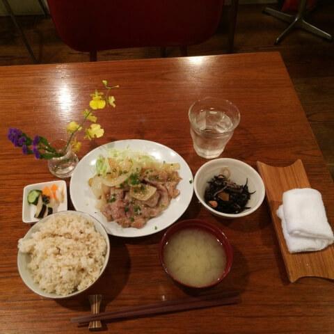 目黒カフェ アントミミ 定食