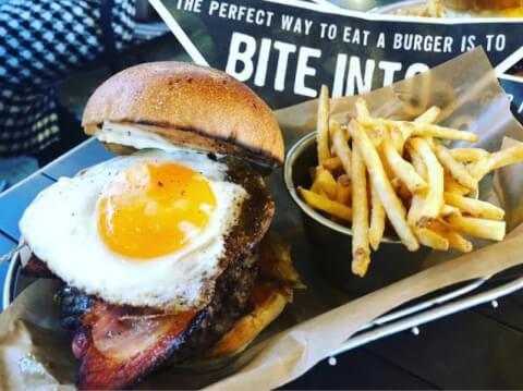 新宿 ハンバーガー ランチ テイクアウト 人気  J.S.burger