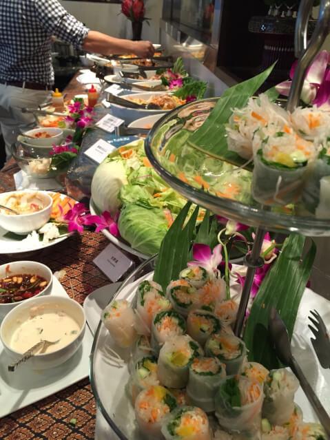 ホリデービュッフェ バンコクキッチン 新宿 ランチバイキング アジア料理