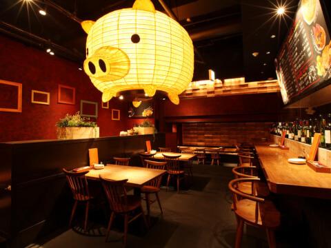 ベルサイユの豚内観画像