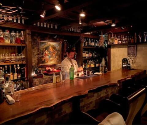 新宿のおしゃれで安いおすすめバー、初心者にも人気家の隠れ家ベンフィディック