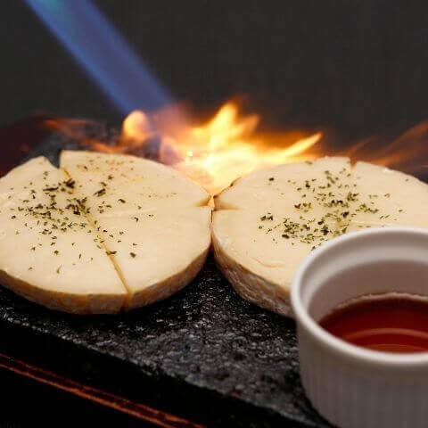 bonbori 新宿 焼きカマンベールチーズ