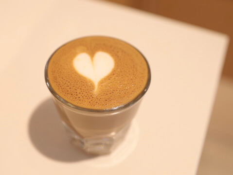 ブルーボトルコーヒー  新宿 新南口 おすすめ カフェ おしゃれ ハンドドリップ