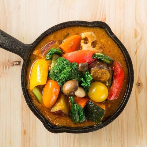 野菜を食べるカレー