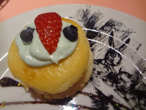 shinjuku-cafe-alice-cheesecake