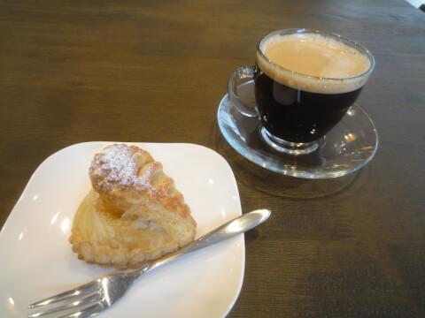 jiyugaoka-cafe-jiyugaokaplus-applepie