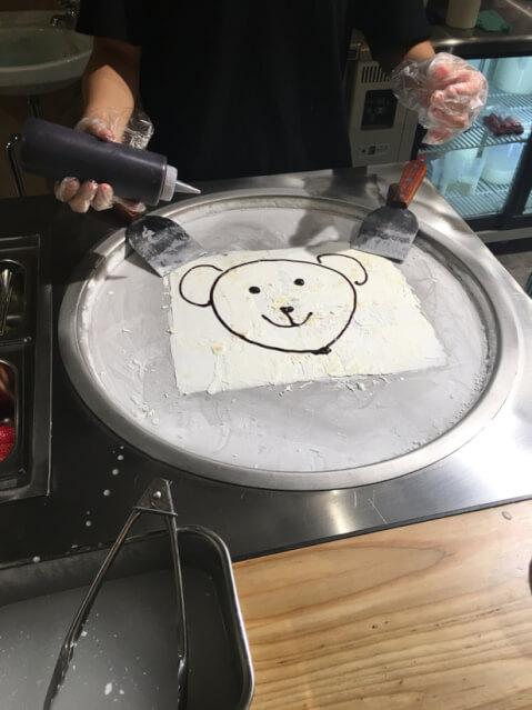 tokyo-sweets-manhattanrollicecream-howtomake