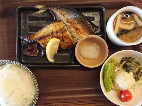 DWARF DRINK+KITCHEN 神田 ランチ 北口 東口