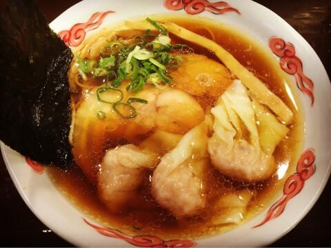 砦 海老ワンタン麺