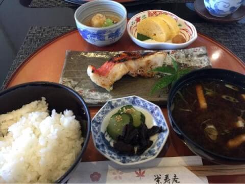 おしゃれで安い京都駅のおすすめディナー、ひとりに人気の栄寿庵