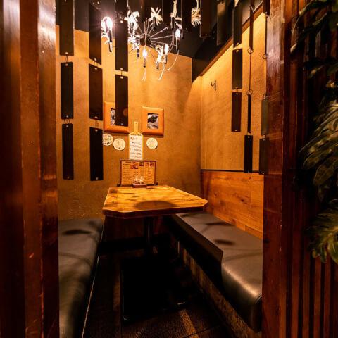 新宿 個室 居酒屋 ferrous 内観