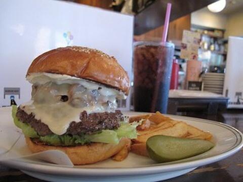 ゴルゴンゾーラハンバーガー ファイヤーハウス 後楽園 おすすめ 肉料理