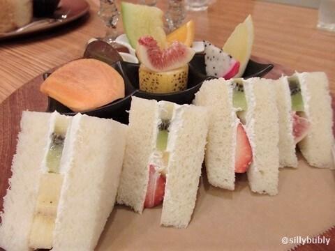 osaka-shinsaibashi-miki-fruitsandwich