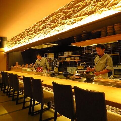 栄 居酒屋 GEMS栄 ろばたの魚炉米 カウンター
