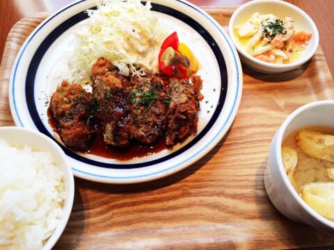 ハルマリ 油淋鶏定食