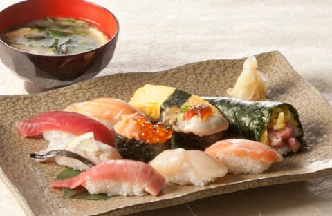 雛寿司のランチセット
