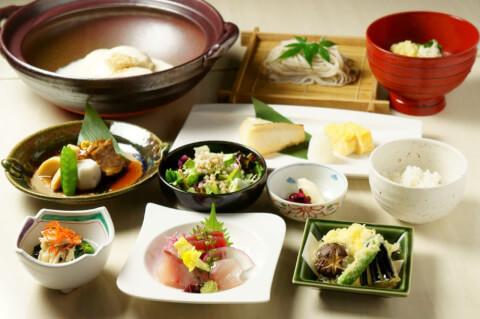 麓屋 京王プラザホテル 新宿 デート ディナー ランチ 居酒屋 カフェ レストラン 個室