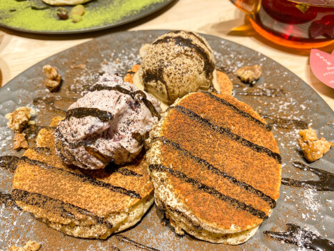 あんこチーズクリームとほうじ茶の米粉パンケーキ 池袋 パンケーキ こなな 西口 おすすめ