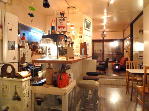 池袋カフェ ランプ 店内