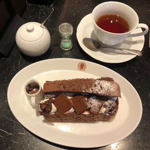 池袋カフェ 梟書茶房 シフォンケーキ