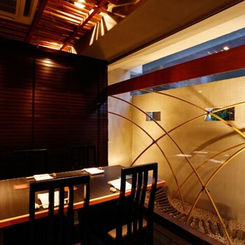 目黒 ディナー 和食 池田山 店内 テーブル席