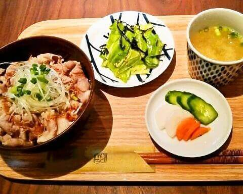 特製ぶた丼 メイカフェ 国分寺 おすすめ ランチ カフェ