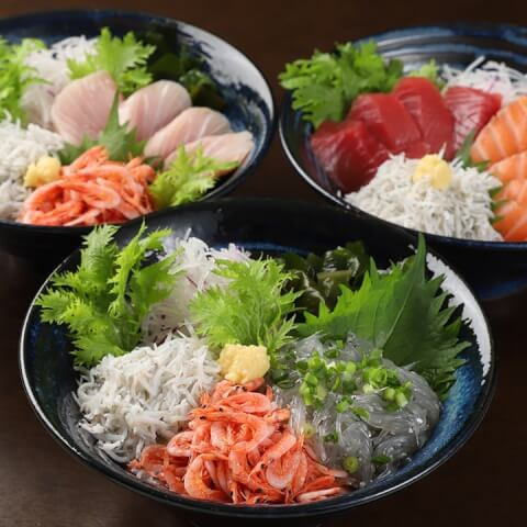 三色丼の写真