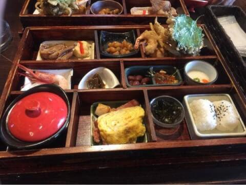 色内食堂の料理画像