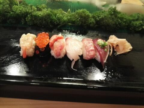 六法すしの握り寿司