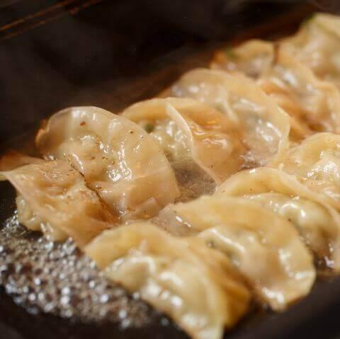 鴨餃子とワイン オペレッタ52 梅田 居酒屋 肉 おしゃれ 女子会 デート