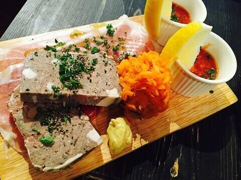横浜 居酒屋 関内バル 333 肉料理